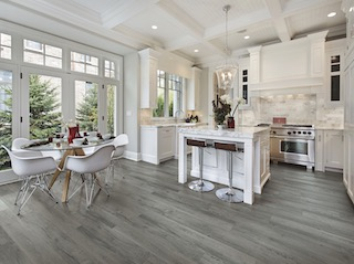 Dixie Home Exposed Oak LVT